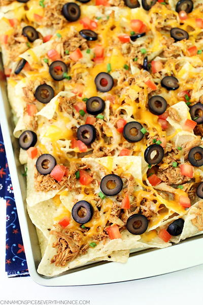 Slow Cooker Chicken Taco Nachos