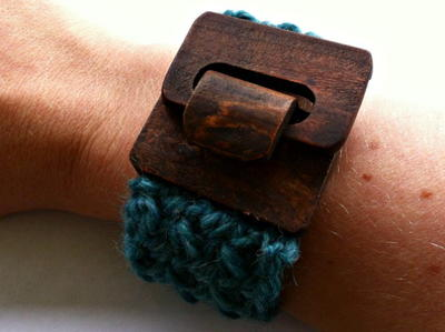 Simple Textured Crochet Cuff Bracelet
