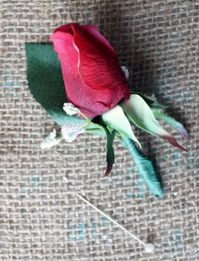 Easy DIY Wedding Boutonniere