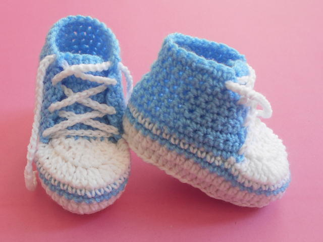Baby Converse Booties AllFreeCrochet.com