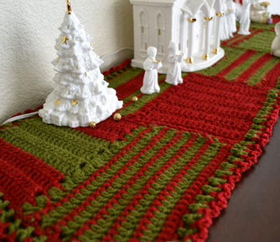 Free Crochet Patterns For Christmas Table Runners : Crocheted Christmas Table Runner AllFreeChristmasCrafts.com