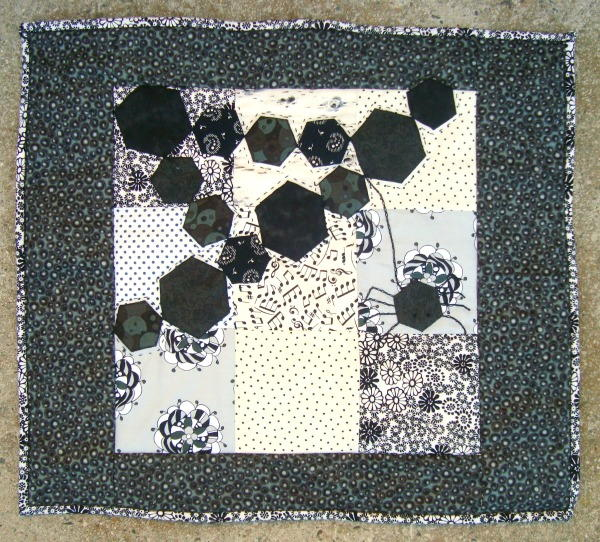 Halloween Hexagon Mini Quilt Favequilts Com