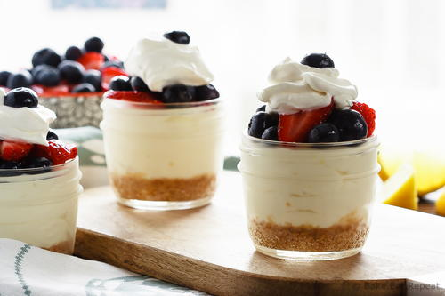 Easy Lemon Berry No Bake Cheesecake Cups