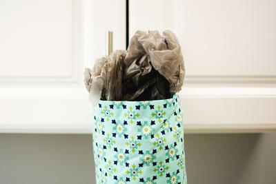Fat Quarter Plastic Bag Dispenser