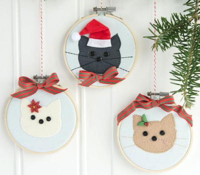 Christmas Cat Embroidery Hoop Ornament