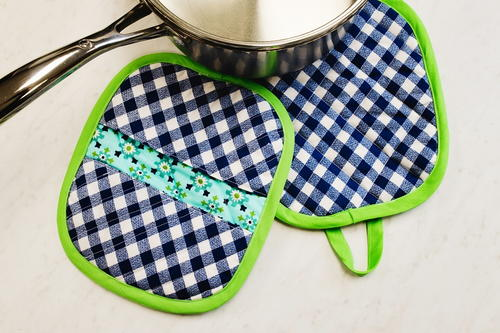How to Sew Potholders Video