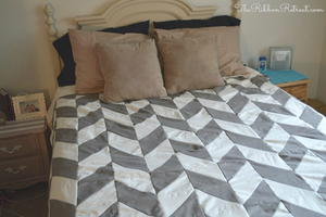 Graphic Herringbone Quilt Tutorial