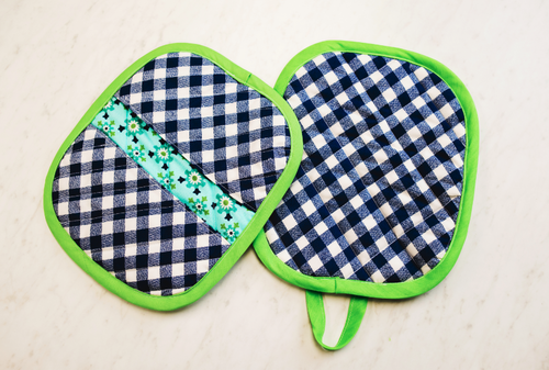 Fun Gingham Pot Holder