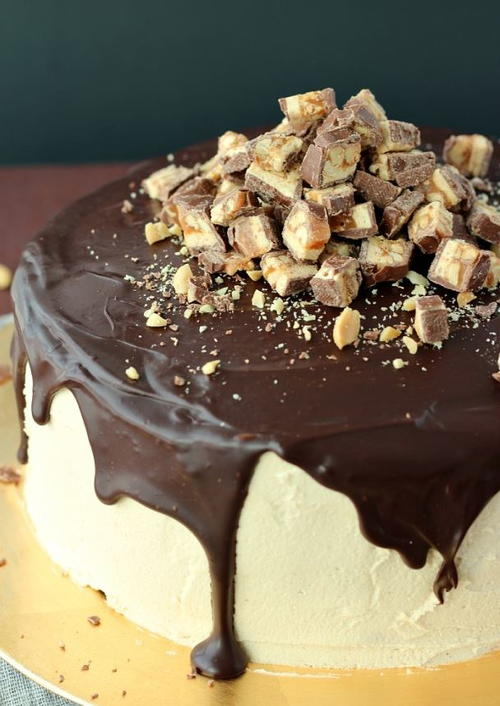 Snickers Layered Cheesecake Recipe