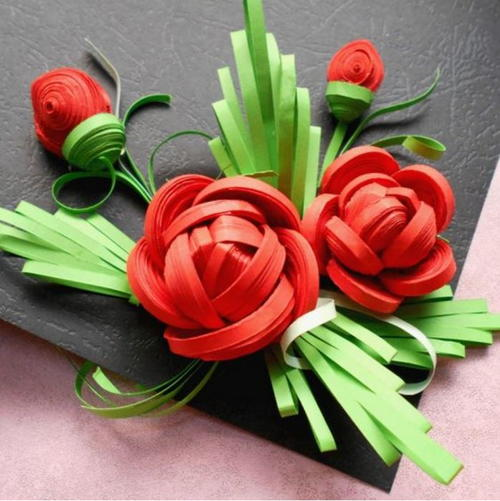 Uniquely Quilled DIY Paper Roses