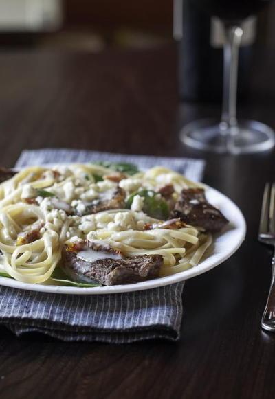 Copycat olive garden steak gorgonzola alfredo - Olive garden alfredo recipe copycat ...