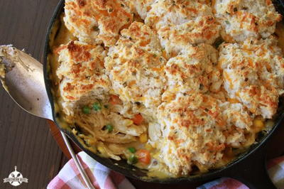 Cheesy Biscuit-Topped Chicken Pot Pie
