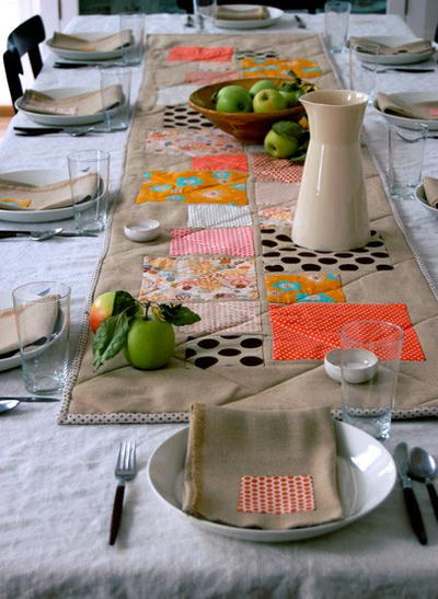 Modern Thanksgiving Table Topper