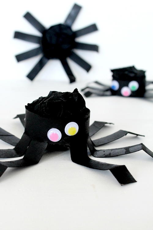 DIY Halloween Spiders Tutorial