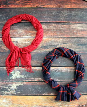 5 Minute Scarf Wreath