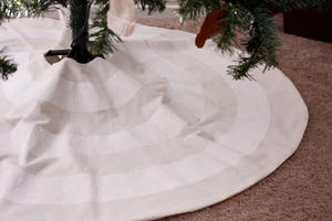 Luxe Tree Skirt Tutorial