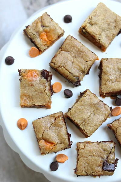 Easy Slow Cooker Chocolate Chip Cookie Bars