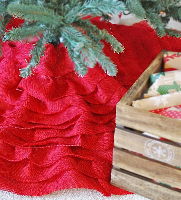 DIY Burlap Christmas Tree Skirt