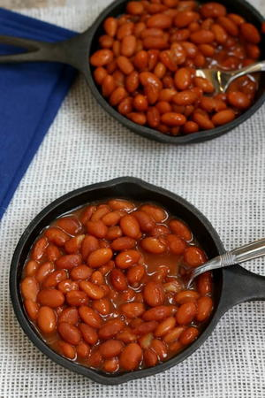 Slow Cooker Savory Baked Beans