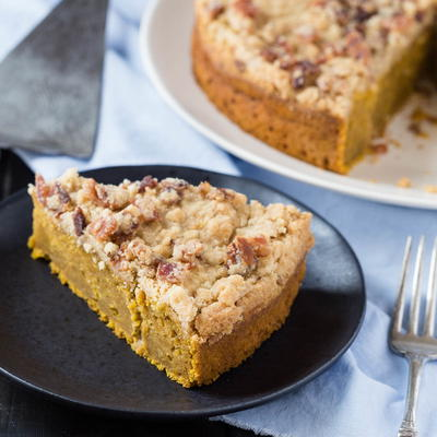 Quick Pumpkin Cake with Bacon Streusel