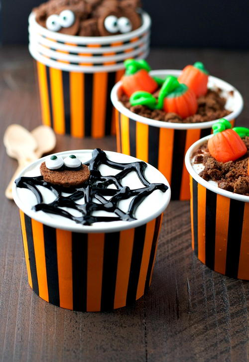 Easy Halloween Yogurt Cups
