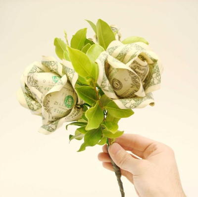 Dive-Worthy Dollar Bill Rose Bouquet