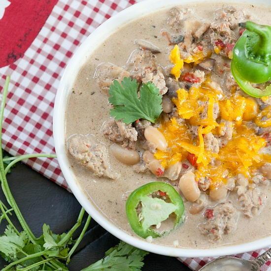 Jalapeno Popper Chicken Chili | RecipeLion.com