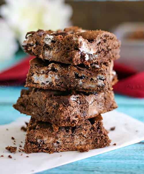Peppermint Cake Mix Brownies