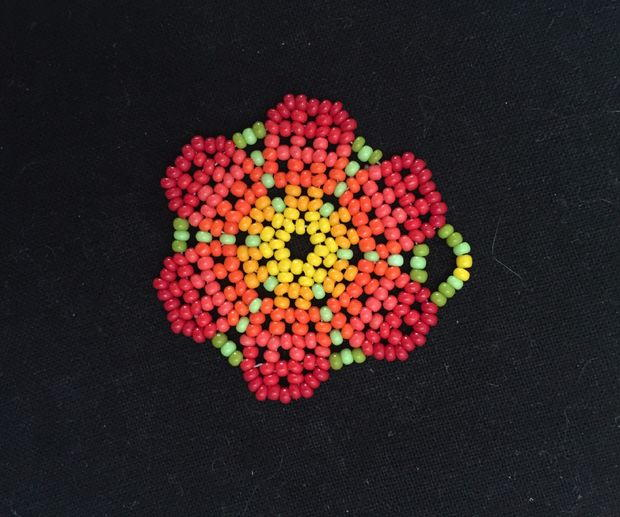 Beaded Peyote Stitch Flower Pendant Allfreejewelrymaking Com