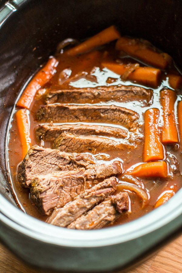 how to cook beef brisket in slow cooker
