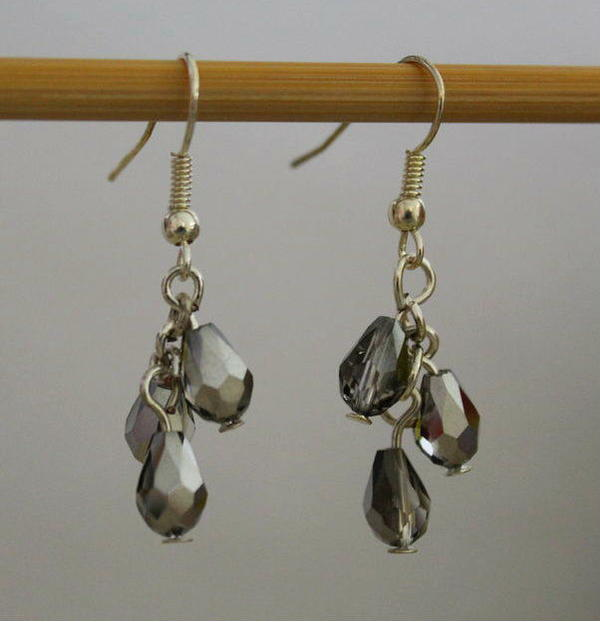 5-Minute Dangling Beaded Earrings
