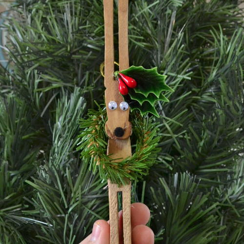 Clever Clothespin Reindeer Craft