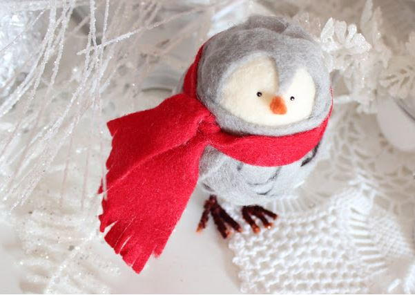 No-Sew Cute Felt Penguin Ornament