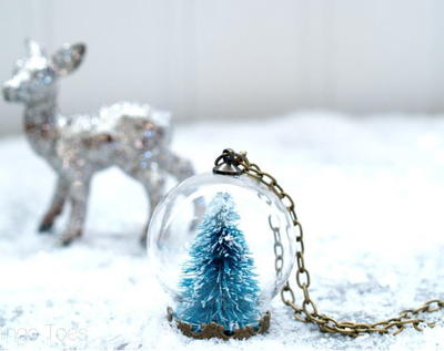 Stylish DIY Snow Globe Necklace