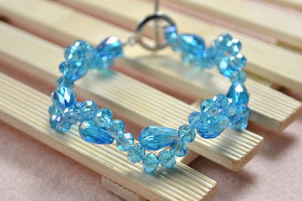 Beginner S Icy Beaded Bracelet Allfreejewelrymaking Com