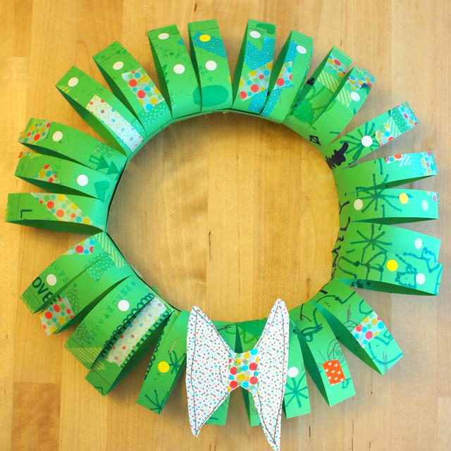 Tubular paper wreath for kids for All free holiday crafts