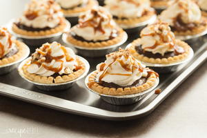 Mini Turtle Pudding Pies | RecipeLion com