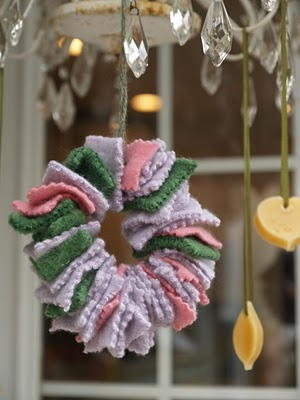 Fun Felt Wreath Homemade Ornaments