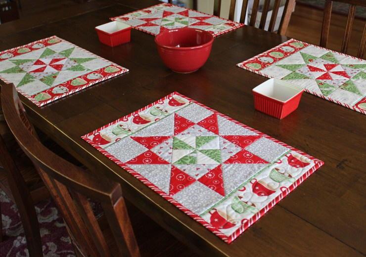 Christmas Spirit Pinwheel Placemats Favequilts Com