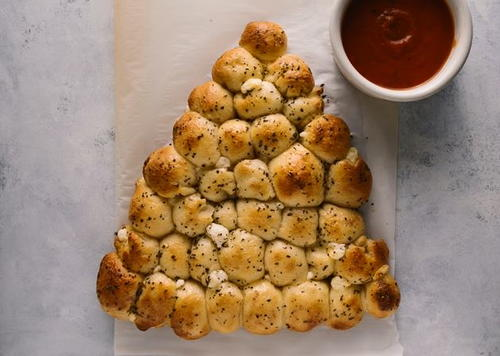 Trim the Tree Pull-Apart Bread