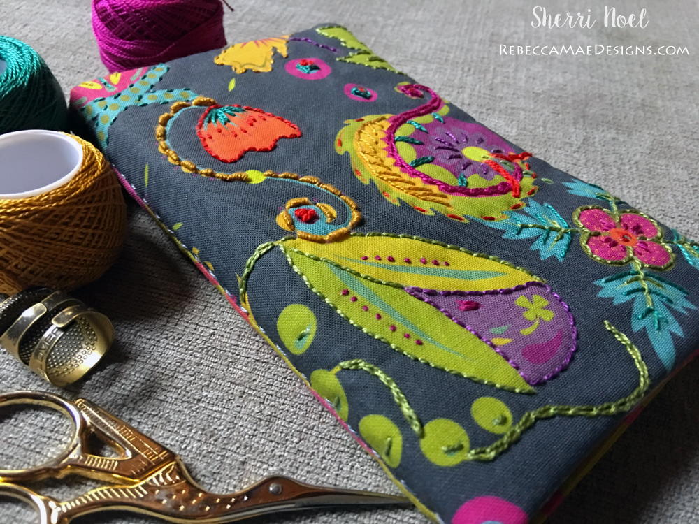 Bright And Bold Needle Book Tutorial Favequilts Com