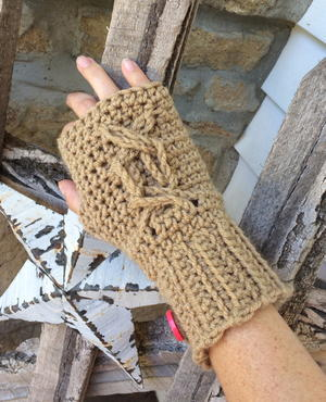 Chrissy's Cabled Fingerless Gloves