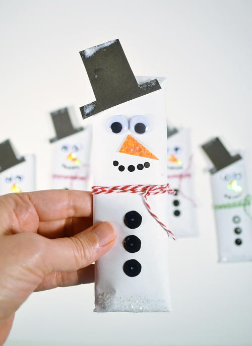 Easy Snowman Candy Bars