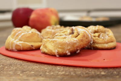 Copycat Apple Pie Cinnamon Rolls