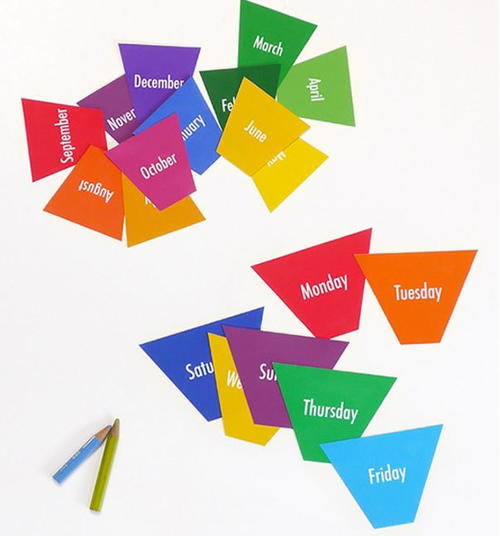 Days to Months Free Printable Flashcards