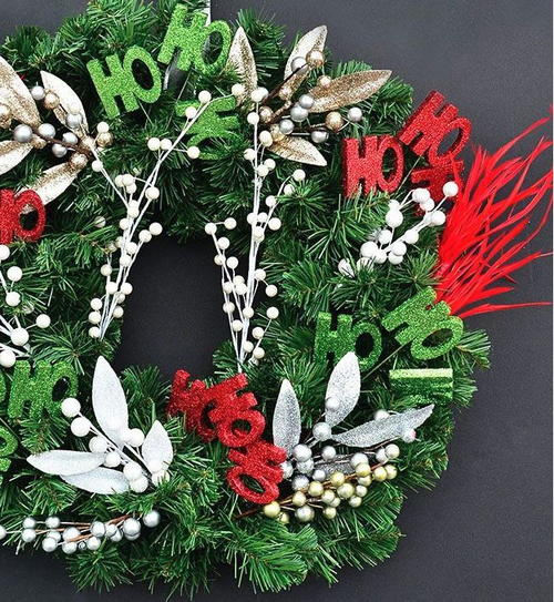 Astonishingly Simple DIY Christmas Wreath