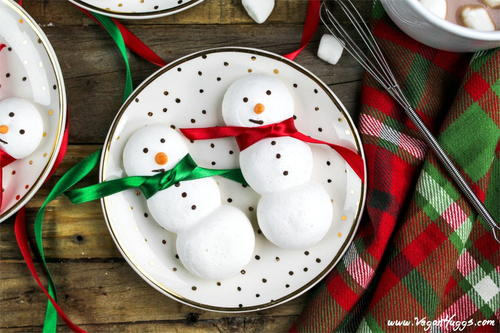 Vegan Snowmen Meringue Cookies