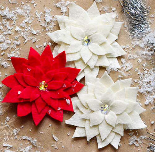 Pretty Poinsettia Pin Christmas Craft