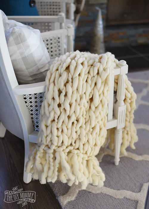 Eggnog Arm Knit Blanket