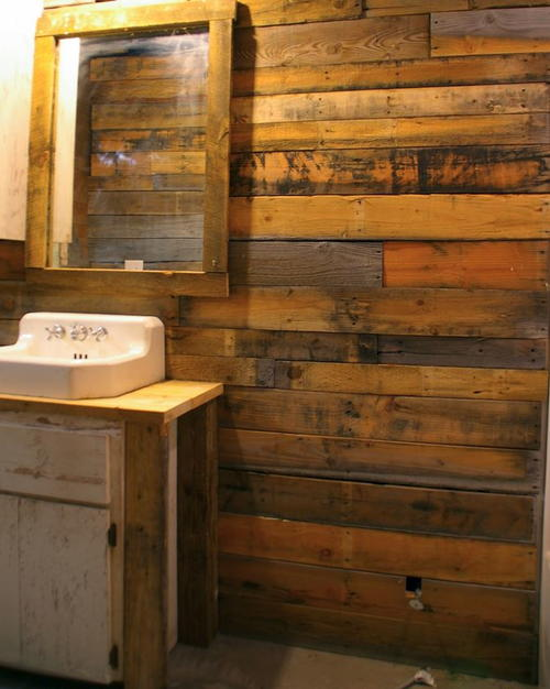 Wood Covered Walls covering walls with pallet wood | diyideacenter